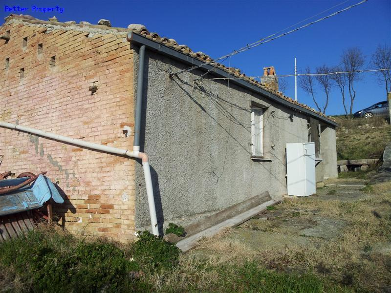 Properties for sale in abruzzo rustic cottage atessa Rustic cottages for sale