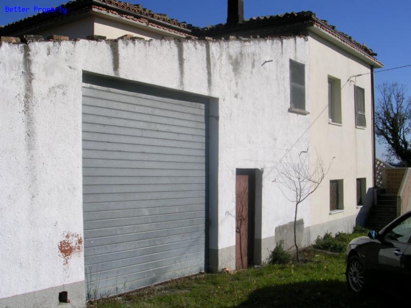 Properties for sale in abruzzo casa di campagna da for Ristrutturare casa campagna